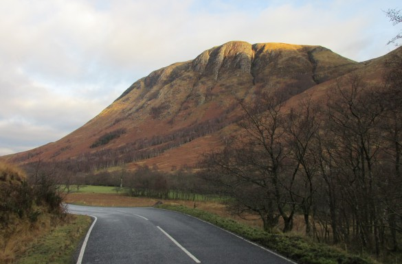 Ben Nevis weg road winter